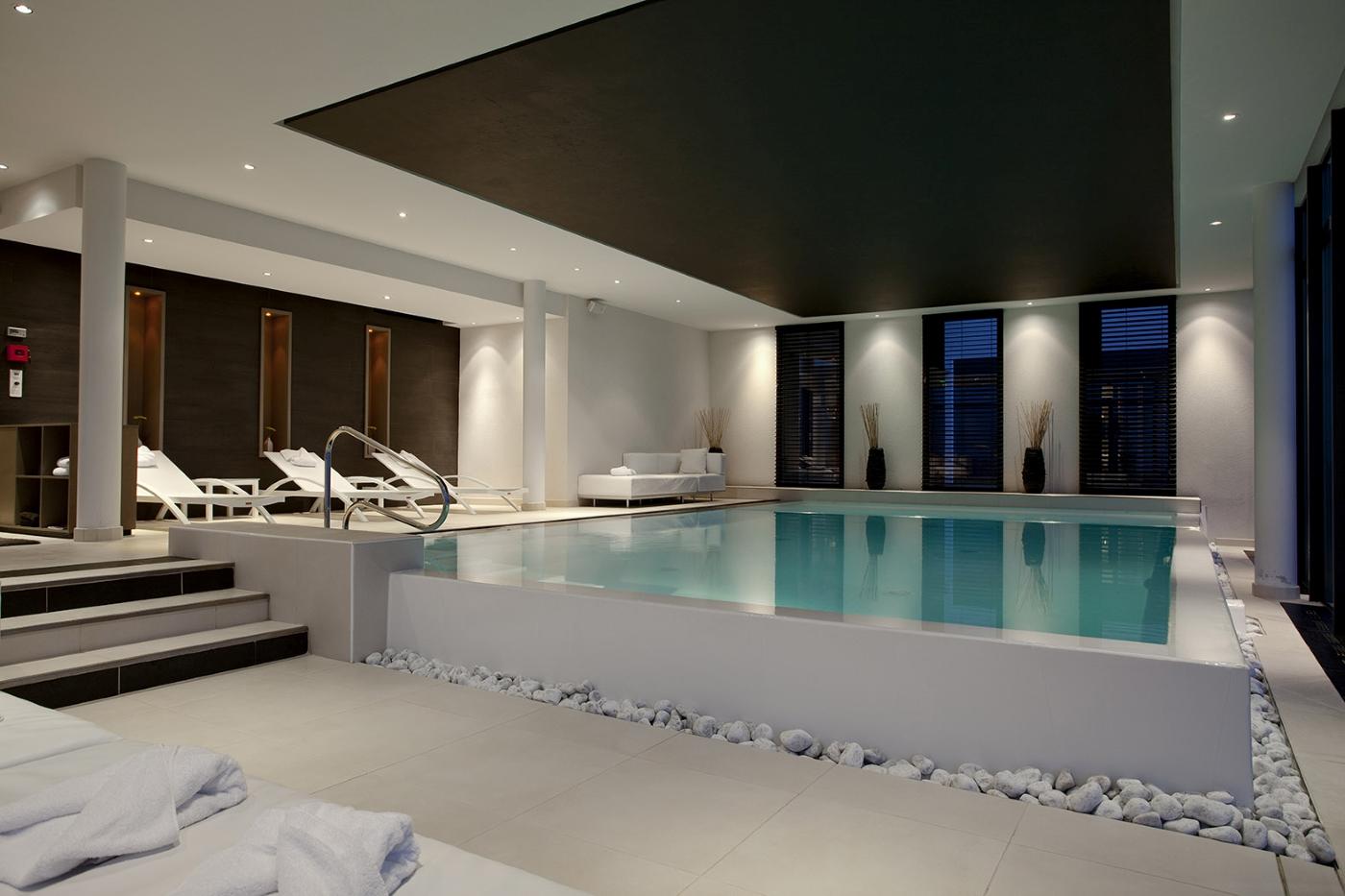 Photo piscine intérieure aquaconcept
